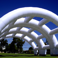 inflatable_arch.jpg
